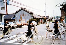 昭和50年代 毎朝おこなわれた安全委員会による交通安全指導